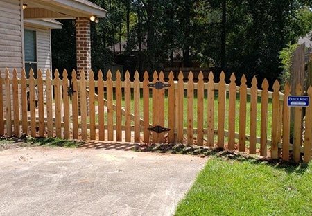 wood picket fence in lacombe la